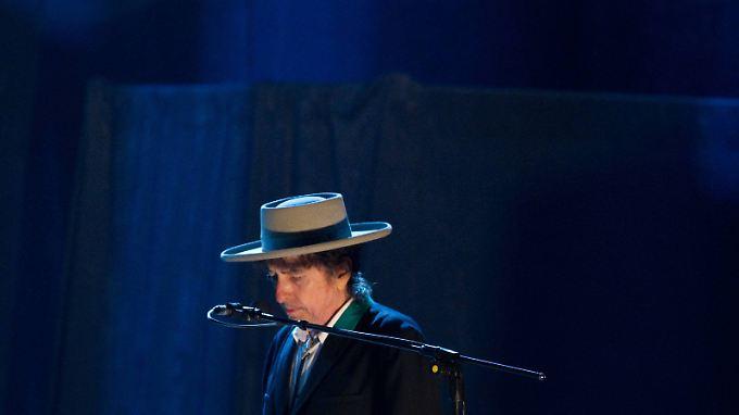 Noch lange nicht im Ruhestand: Bob Dylan bei einem Auftritt 2012.
