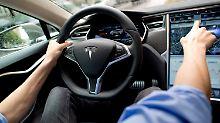 """""""Irreführender Begriff"""": Tesla soll nicht mehr mit """"Autopilot"""" werben"""