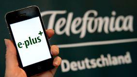 Kundenhotline tagelang nicht erreichbar: Bundesnetzagentur prüft Schritte gegen O2