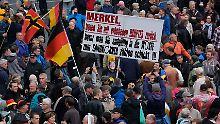 Polizei beklagt Pauschalkritik: Pegida-Grüße bleiben folgenlos