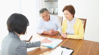 Falschberatung durch Finanzberater: Stiftung Warentest warnt Senioren vor Abzocke