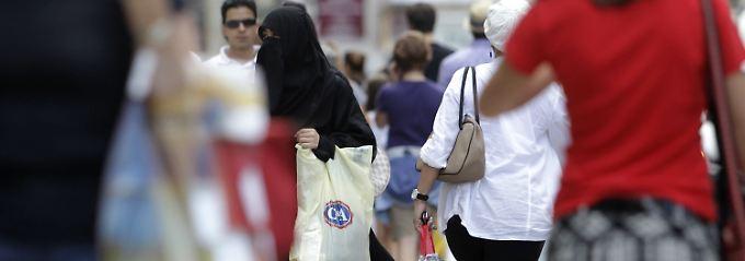 """""""Offene Kommunikation"""" fördern: Verschleierungsverbot für Beamte kommt"""