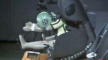 n-tv Ratgeber: Drei teure Auto-Kindersitze versagen beim ADAC-Test