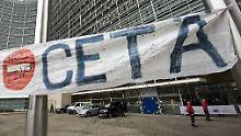 Belgien einigt sich auf die Zustimmung zu Ceta - die Proteste gegen das Freihandelsabkommen mit Kanada gehen allerdings weiter, wie hier in Brüssel.