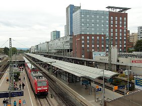 Der Vorfall ereignete sich auf dem Stühlinger Kirchplatz unweit des Freiburger Hauptbahnhofs.