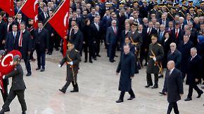 """""""Cumhuriyet""""-Chefredakteur verhaftet: Erdogan kündigt Wiedereinführung der Todesstrafe an"""