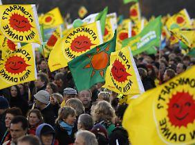 Zehntausende hatten gegen den jüngsten Atommülltransport und die Verlängerung der Laufzeiten protestiert.