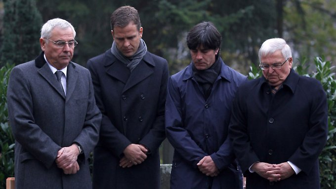Ein Jahr nach dem Selbstmord: DFB und Fans trauern um Enke