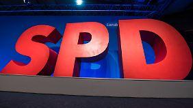 Verstoß gegen das Parteienrecht?: SPD-Agentur vermittelt Treffen mit Ministern für mehrere Tausend Euro
