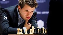 Schach-Star Carlsen schlägt Karjakin: Lässig, cool und mächtig unter Druck