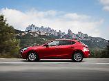 Die Außenhaut des Mazda3 wird auch nach dem Facelift die alte bleiben. Aber innen ist vieles neu.