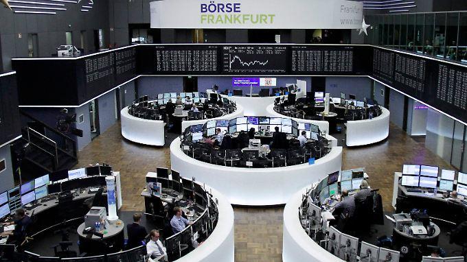 Alle Welt schaut nach Wien: Dort könnten die Opec-Minister eine Entscheidung fällen, die die Ertragsaussichten in Dow & Dax auf Jahre beeinflussen dürfte.