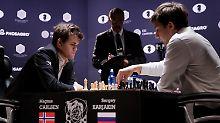 """""""König F7 hätte er sehen müssen"""": Carlsen patzt und triumphiert spektakulär"""