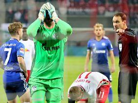 Schalkes Ralf Fährmann konnte es nicht fassen, dass es für Werners Aktion einen Elfmeter gab.