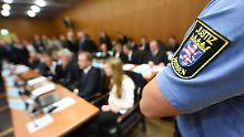 Im Sitzungssaal des Frankfurter Landgerichts: Beim S&K-Prozess geht es um einen Gesamtschaden im dreistelligen Millionenbereich.