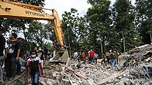 Schwere Zerstörungen in Indonesien: Erdbeben kostet fast 100 Menschenleben