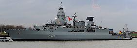 """Die """"Hamburg"""" ist eine der drei Bundeswehr-Fregatten, auf denen das neue Radargerät installiert werden soll."""