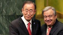 Staffelübergabe in New York: der scheidende UN-Generalsekretär Ban (l.) und sein Nachfolger Guterres im Dezember.