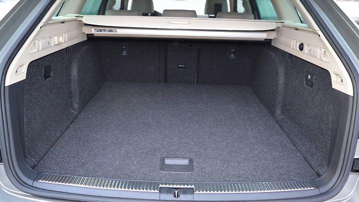 Mit 660 Liter Kofferraumvolumen ist der Superb Combi Meister seiner Klasse.