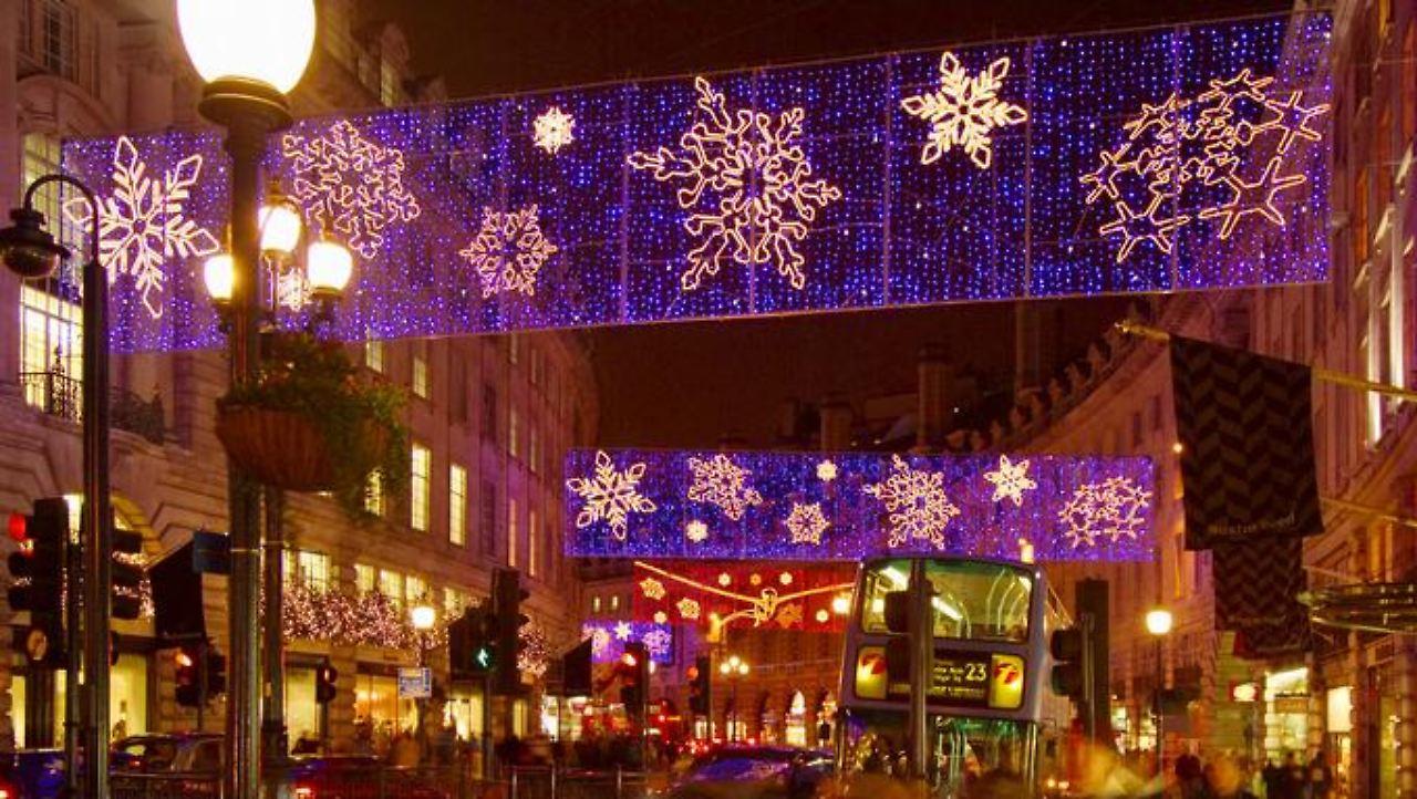 Sterne, Winter und Geschenke: London leuchtet im Lichterglanz - n-tv.de