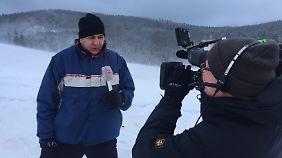 n-tv-Reporter Carsten Lueb am Winterberg im Sauerland.