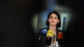 CSU lehnt De-Maizière-Pläne ab: Polizei nimmt Kontaktmann von Amri vorläufig fest