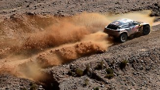 Abenteuerliche 8. Etappe der Rallye Dakar: Loeb nimmt Peterhansel Gesamtführung wieder ab