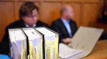"""""""Habe alle belogen und betrogen"""": Lehrer veruntreut 100.000 Euro aus Schuletat"""