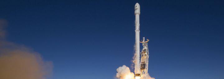 Vier Monate nach Explosion: SpaceX-Rakete bringt erfolgreich zehn Satelliten ins All