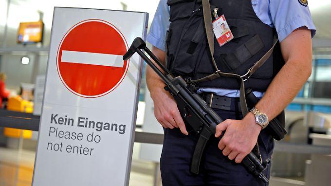 Bayern (Foto: Flughafen München) reagiert mit einer intensiveren Schleierfahndung und zusätzlichen Polizeistreifen auf die Warnungen.