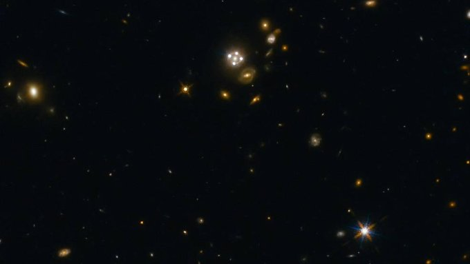 HE0435-1223 (Mitte) ist eines der Objekte, das die Forscher für ihre neue Studie ausgewertet haben.