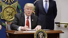 Einreise an Flughäfen verweigert: Trump-Dekret stoppt erste Flüchtlinge