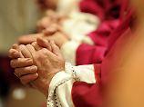 """Einsame, alte Priester: Das """"schleichende Gift"""" des Zölibats"""