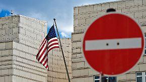 """Botschaft: """"Vereinbaren Sie keinen Termin"""": Etwa 130.000 deutsche Doppelstaatler vom US-Einreiseverbot betroffen"""