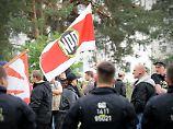 Änderung des Grundgesetzes: Große Koalition will NPD das Geld streichen