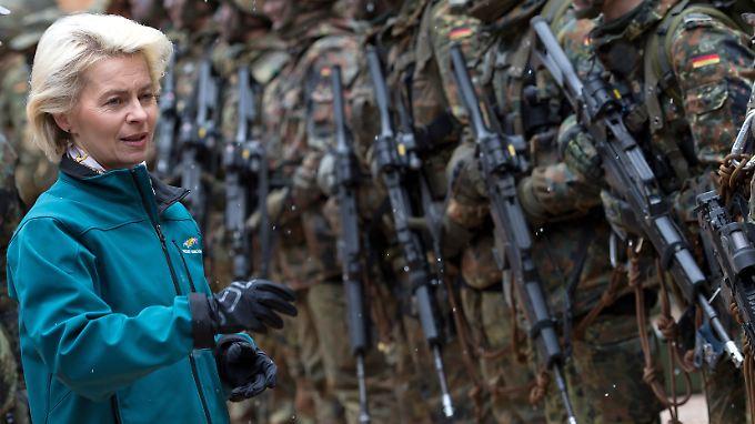 Von der Leyen (hier 2016) diagnostiziert strukturelle Probleme bei der Bundeswehr.