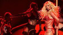 Oops, she did it again: Britney lässt den Busen blitzen