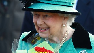 Königin Elizabeth II. besucht Gottesdienst in Sandringham HM Queen Elizabeth II attending Church at West Newton . . West Newton, Norfolk, UK . . 05.02.2017 HM Queen Elizabeth II attends the St. Peter & St. Paul Church Sunday morning service in West Newton. PUBLICATIONxNOTxINxUK  Queen Elizabeth II attended Worship in Sandringham HM Queen Elizabeth II attending Church AT WEST Newton WEST Newton Norfolk UK 05 02 2017 HM Queen Elizabeth II Attends The St Peter & St Paul Church Sunday Morning Service in WEST Newton PublicationxNotxInxUK