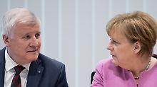 dpatopbilder - Der bayerische Ministerpräsident Horst Seehofer (CSU) und Bundeskanzlerin Angela Merkel nehem am 05.02.2017 in München (Bayern) am Spitzentreffen von CDU und CSU in die CSU-Parteizentrale teil. Die Parteispitzen von CDU und CSU kommen zusammen, um inhaltliche Schwerpunkte für den Bundestagswahlkampf abzustimmen. Foto: Sven Hoppe/dpa +++(c) dpa - Bildfunk+++