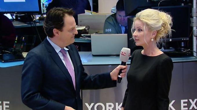 """Sandra Navidi, BeyondGlobal: Viele Firmen versuchen, Trump """"gut aussehen zu lassen"""""""