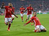 Thiago Alcántara (r.) macht den Unterschied beim Spiel gegen den FC Arsenal.