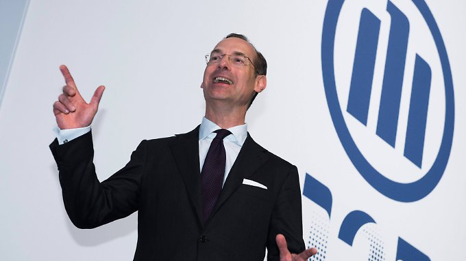 Geldsegen für die Aktionäre im Gepäck: Allianzchef Bäte muss seine Übernahmekasse ausschütten.