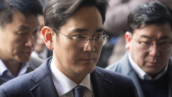 34 Millionen Euro Schmiergeld: Samsung-Erbe Lee wegen Korruption verhaftet
