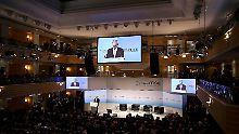 Endzeitszenarien und Elvis: Sicherheitskonferenz beschwört den Westen