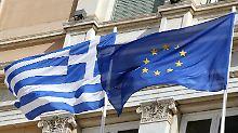 Experten reisen nach Athen: Griechenland stimmt Reformen zu