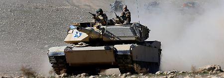 Truppen nähern sich auch Rakka: Iraks Armee erreicht Flughafen von Mossul