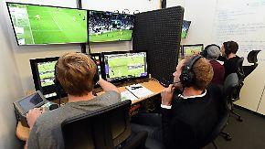Einsatz in der kommenden Saison: Bundesliga-Schiedsrichter testen mit Video-Assistenten