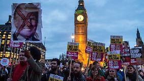 Geplanter Besuch des US-Präsidenten: Tausende Briten protestieren gegen Trump