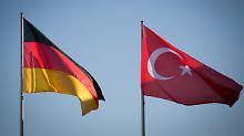 Immer mehr türkische Diplomaten beantragen deutsches Asyl.