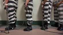 Egal ob schlecht und gefährlich: Trump setzt auf private Gefängnisse